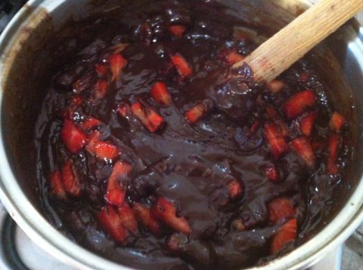 morango_picado_chocolate_torta_nacozinhasozinho