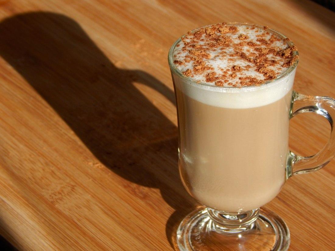 sirva-1-irish-coffee-cafe-irlandes-nacozinha-sozinho