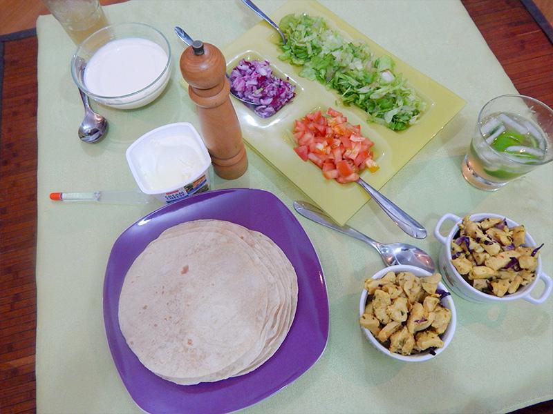 mesa-pronta-receita-mexicana-burrito-cozinha-sozinho